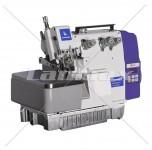 Máquina overloque de 1 agulha e 3 linhas convencional com motor servo eletrônico, caixa control box e painel de comando embutido no cabeçote facilitando a montagem.